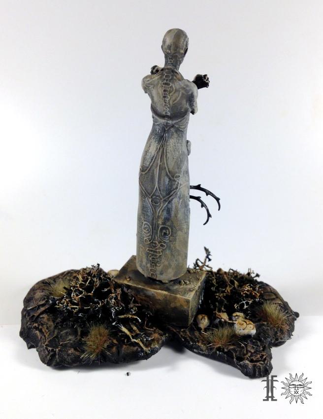 Mile statue 2